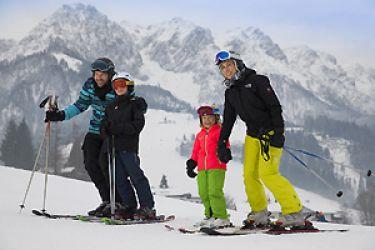 Familien-Skiurlaub im Ferienclub Bellevue