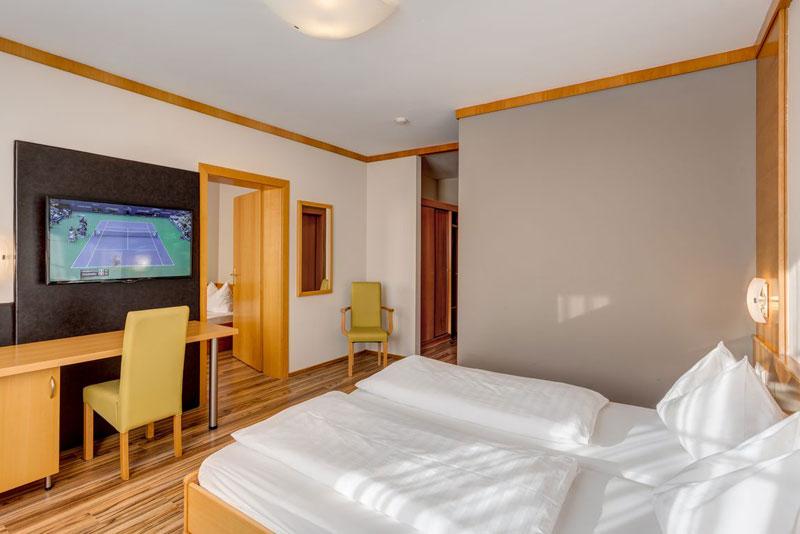 Sport-Hotel-Kurz ***
