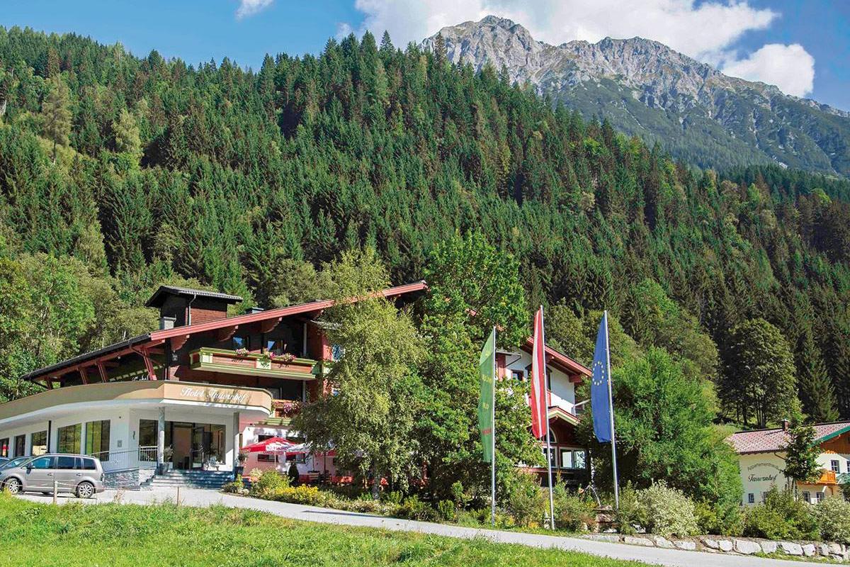 Sport- und Wellnesshotel Tauernhof ****