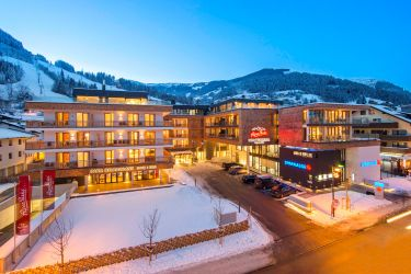 AlpenParks Hotel & Apartment Central Zell am See ****